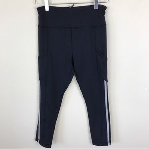Lululemon Black Reflective Crop Leggings Size 6